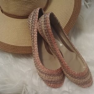 NIB Kim Rogers straw flats with rubber sole.